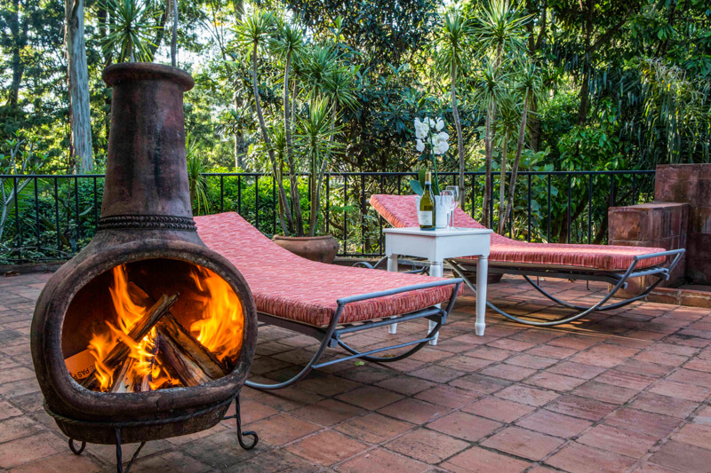 Pool House Pool-side Patio - Furnished Apartments in Nairobi